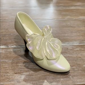 Just The Right Shoe Tying The Knot Collectible